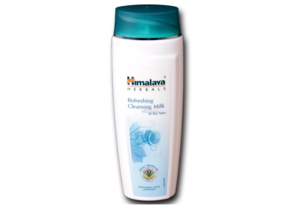 Himalaya Herbals Refreshing Cleansing Milk