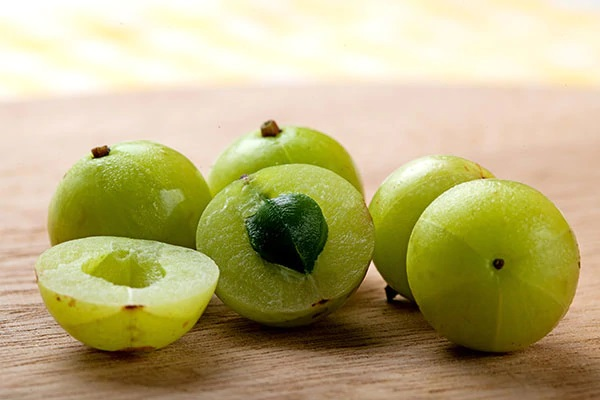 indian gooseberry for getting black hair men